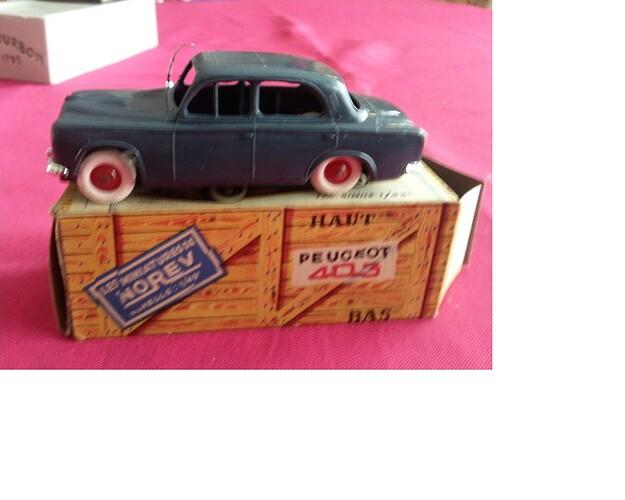 Norev Peugeot 403 Ames Vaillantes (3)